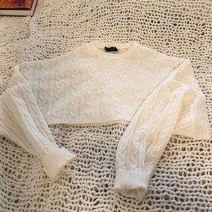 PrettyLittleThing Tops - Cropped cream sweater